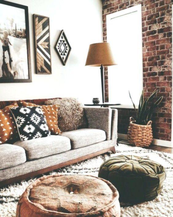 Photo of La decorazione a colori del soggiorno piuttosto rustica ti consente di pianifica…