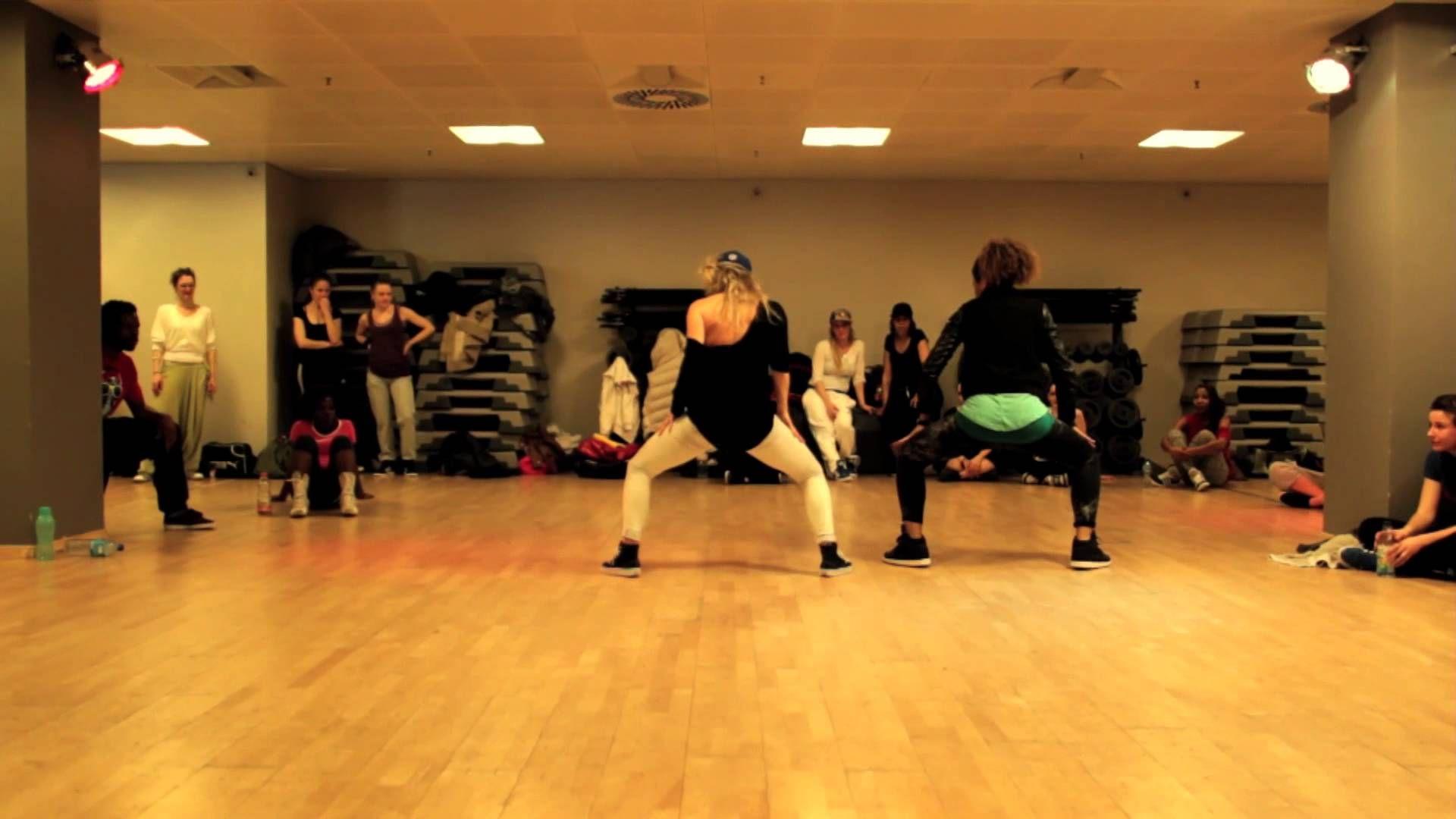Laure Courtellemont RAGGA JAM DANCEHALL - T.O.K bubble up Dance video