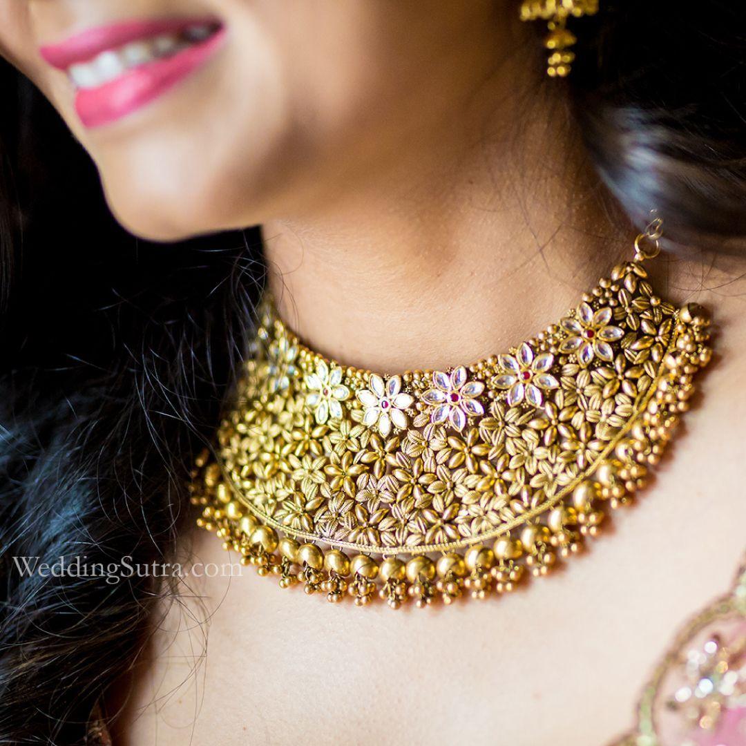 0f851f1147809 Azva gold jewellery on the WeddingSutra bride #Goldjewellery #luxury ...