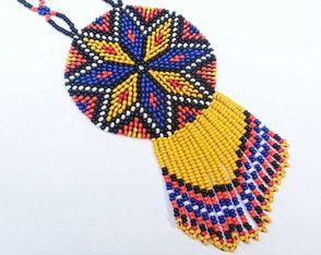 Colar mandala de miçangas feito à mão, inspirado nas rosetas nativo americanas e na arte huichol mexicana!