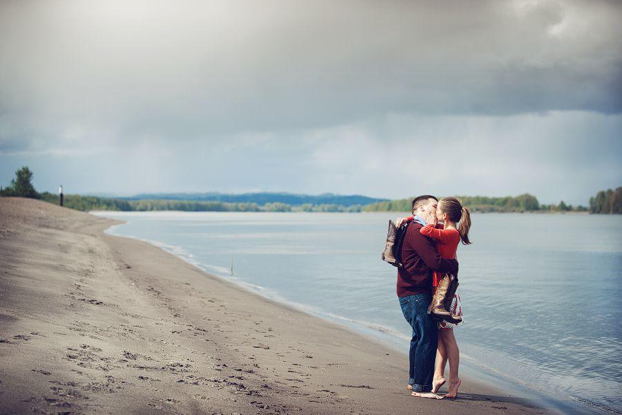 Engagement Photo Shoot Sauvie Island OR