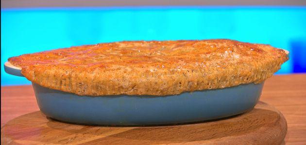 Beef & Ale crispy topped pie | Recipes, Sweet savory, Pie dish