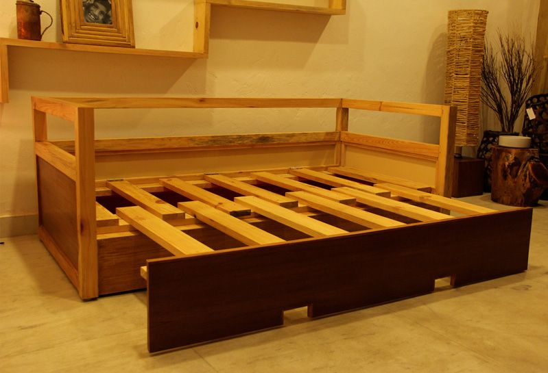 Expandable bed For the Home Studio bed, Wood pallet