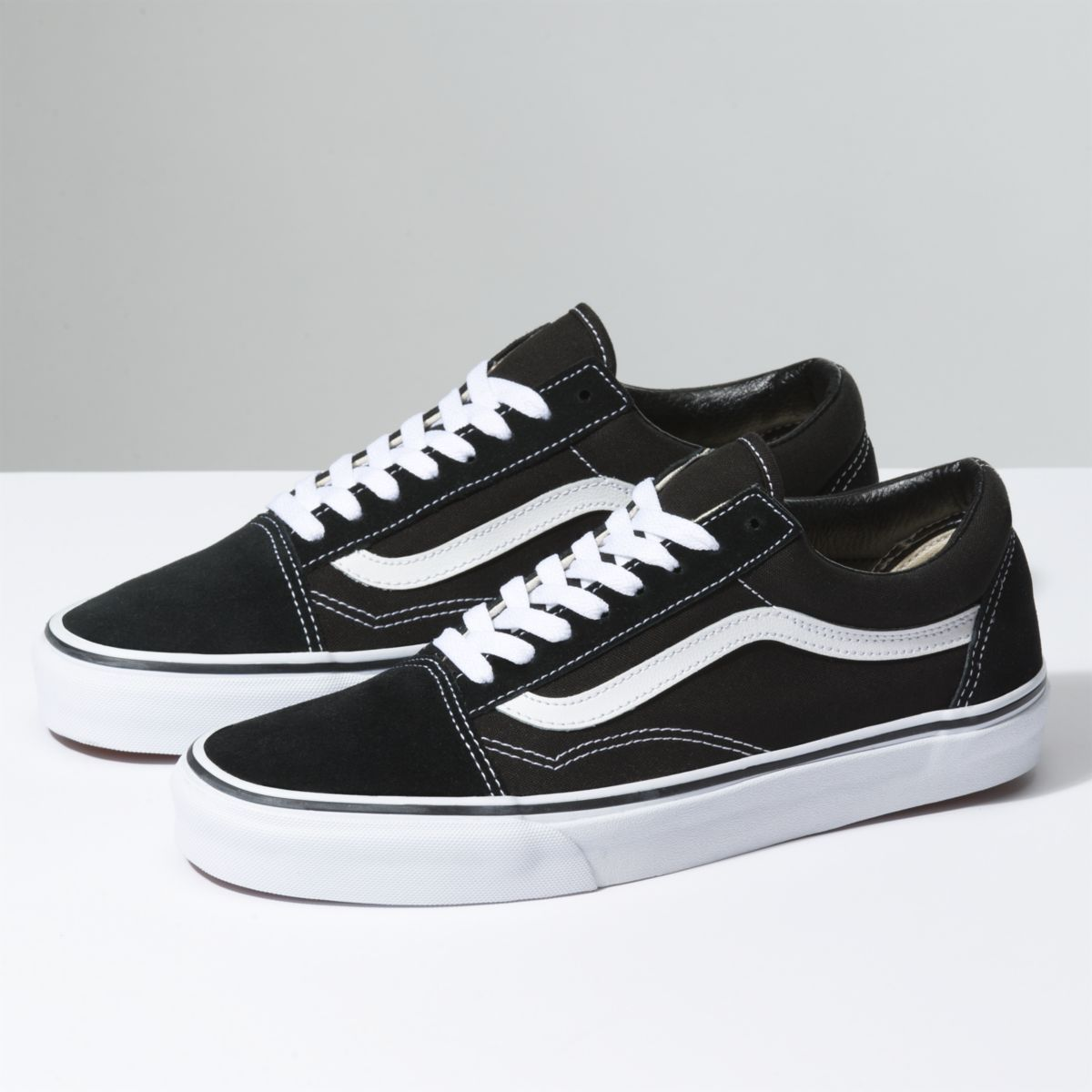 vans noir ligne blanche
