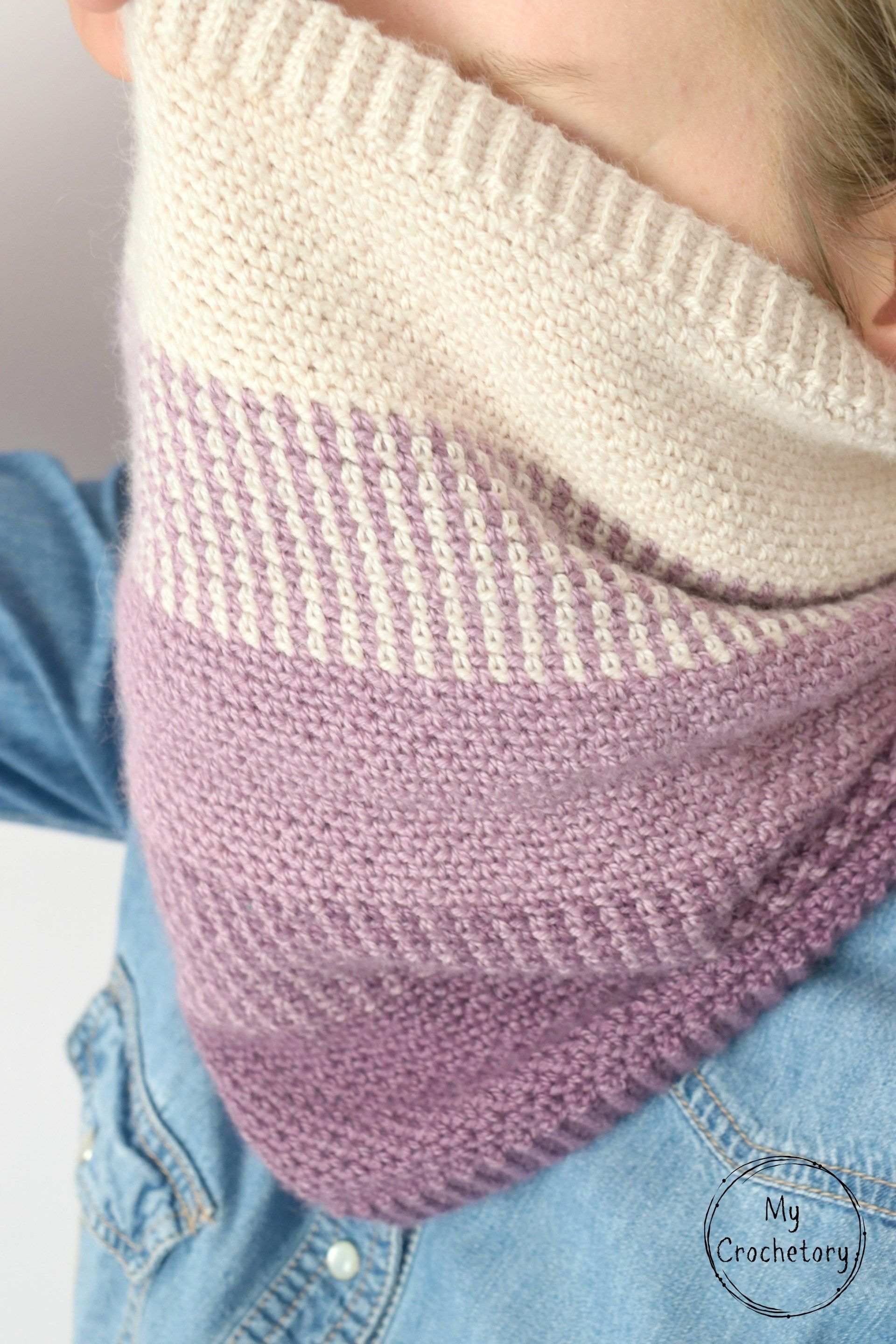 910c59a91071 Ombre Moss Stitch Cowl - free crochet pattern with chart