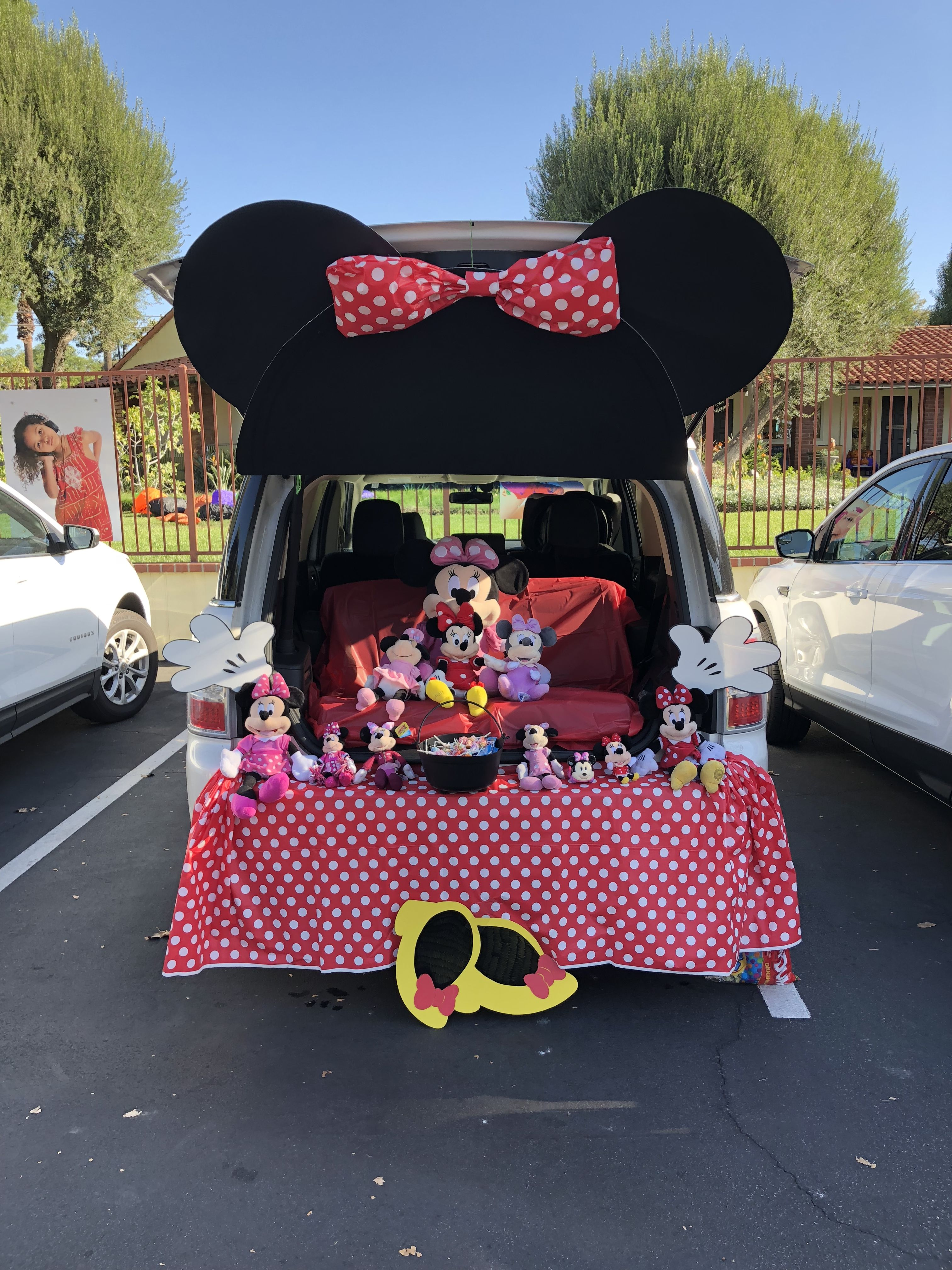 Minnie Mouse Trunk-or-Treat 2018 #trunkortreatideasforcarsforchurch