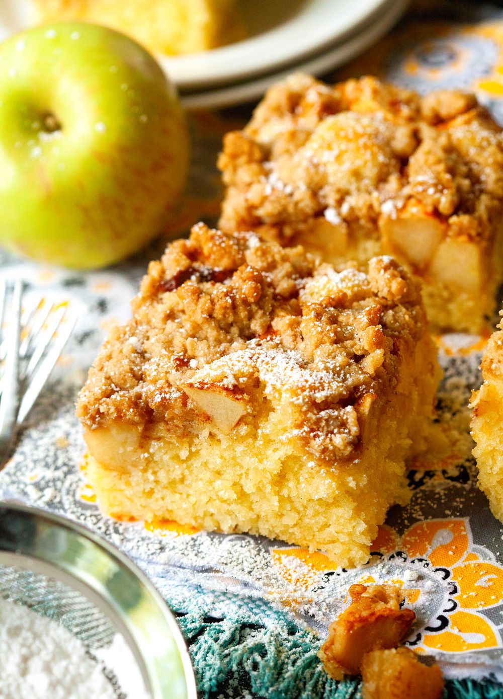 Apple Crisp Cake Deliciously Yum Recipes, Apple