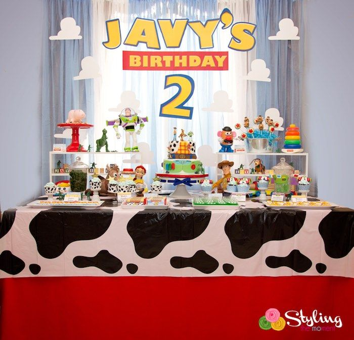 head table from a toy story themed birthday
