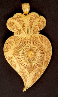 in gold traditional Portuguese filigree jewelry PORTUGAL