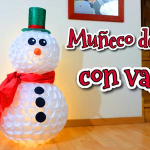 Diy Muneco De Nieve Con Vasos De Plastico Vasos De Plastico Muneco De Nieve Muneco De Nieve Vasos
