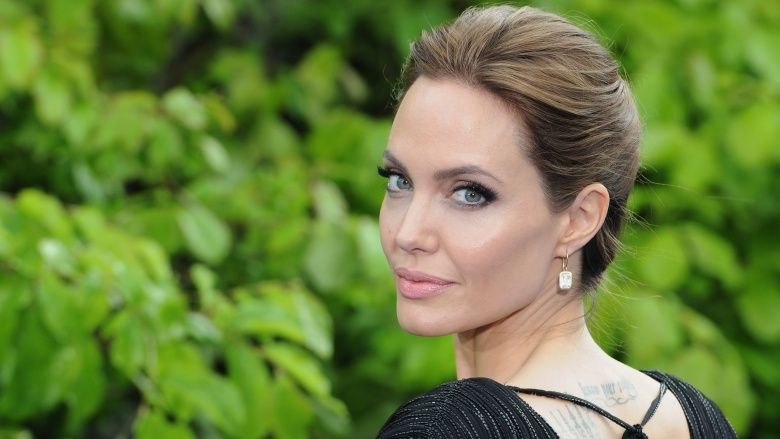 Celebrities who can't stand Angelina Jolie