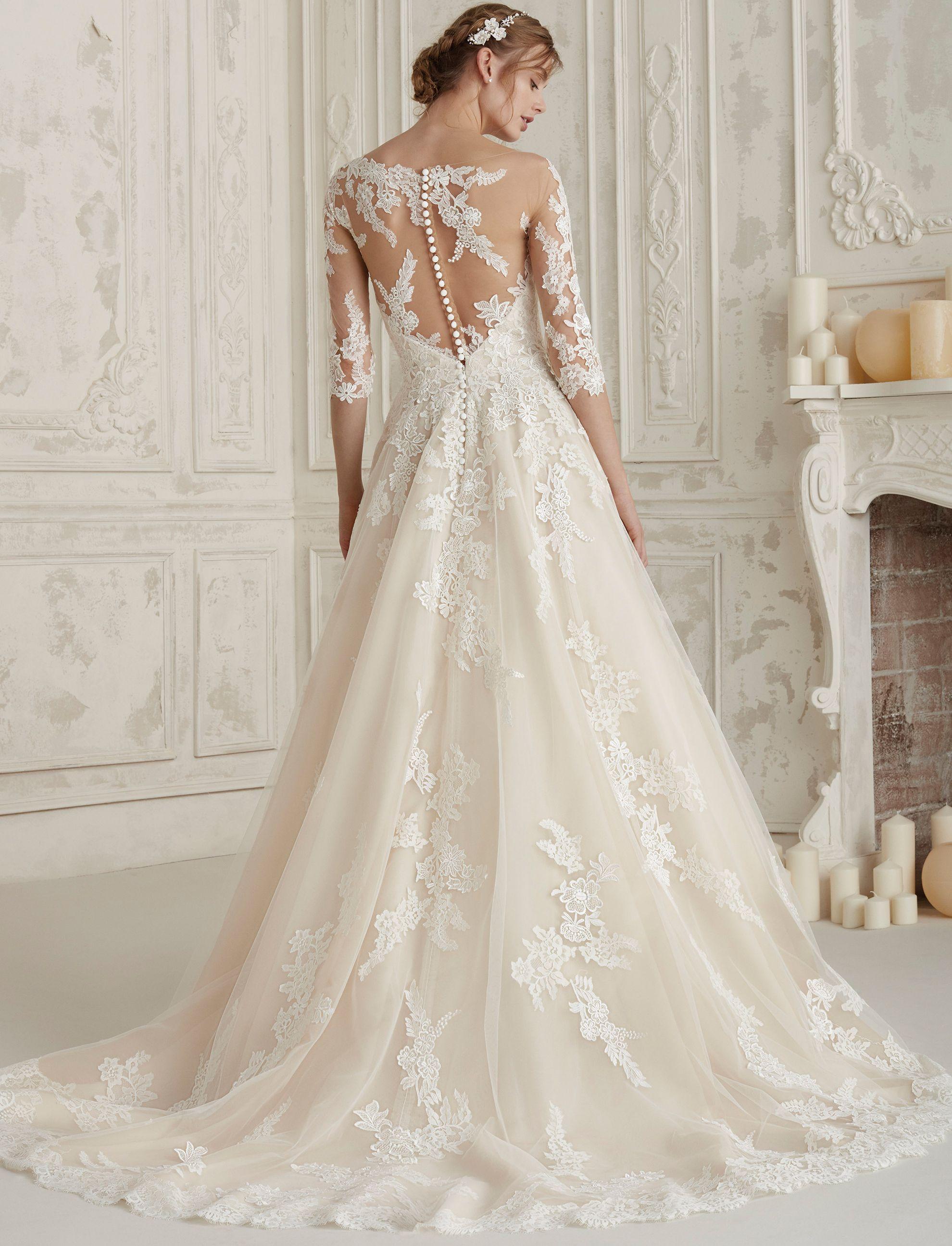 moda super speciali anteprima di Sensuale e romantico abito da sposa con maniche e scollo effetto ...