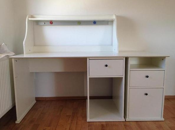 Ikea Hemnes Schreibtisch Neben Der Grosseren Grosse Kommt Die