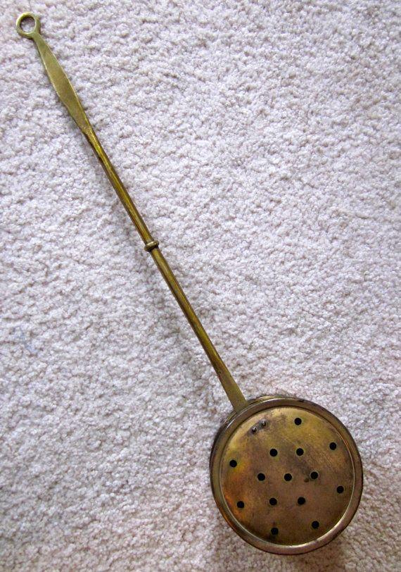 Vintage Bed Warmer Brass Peerage Of England Silent Butler Foot