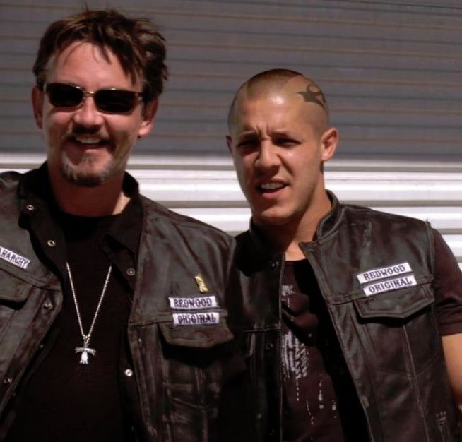 chibs and juice season 1 i believe this is when they were admiring emily duncan. Black Bedroom Furniture Sets. Home Design Ideas