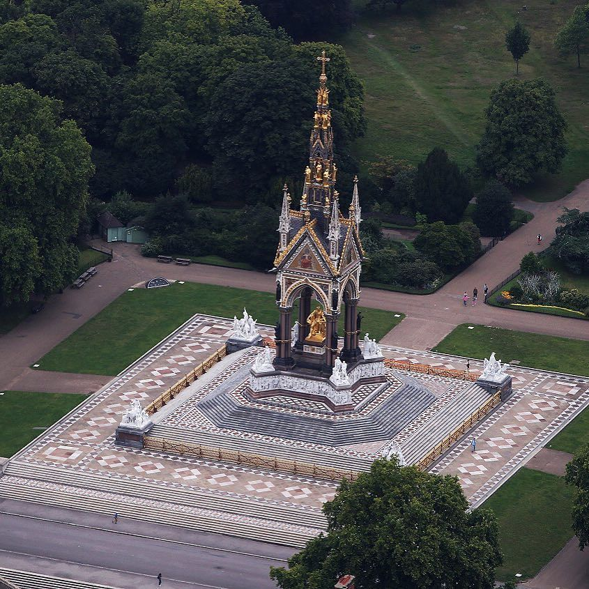 صباح الخير من بي بي سي عربي هنا لندن بالصور بريطانيا لندن Photo Getty Images London England Aerial View