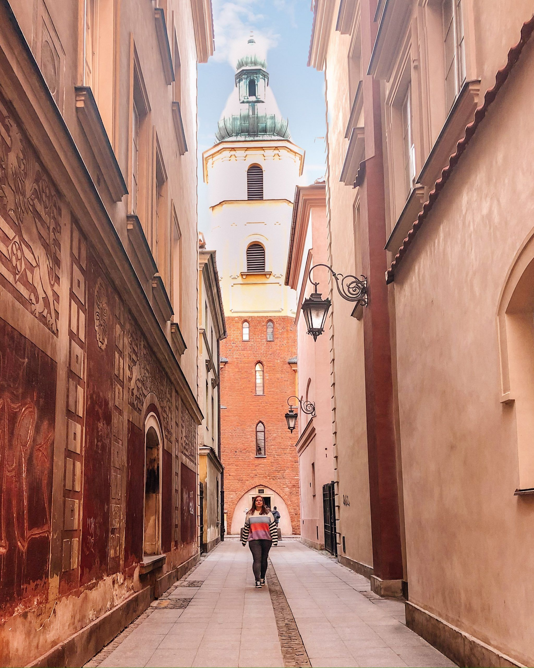 Warsaw, Poland is one of Europe's gems. Think pastel buildings, cute alleyways, amazing coffee and the most delicious rose-jam donuts. Not only that but it is full of the most beautiful places that will bring your Instagram to the next level. Warsaw | Warsaw Poland | Instagram Spots | Warsaw Photography | Best Instagram Spots Warsaw | Things to do in Warsaw | Best Cities in Europe | Warsaw Poland Best Things To Do | Warsaw Poland Photography