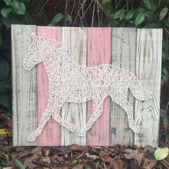 plank board horse string art rustic home and wall decor nursery decor chambre m pinterest. Black Bedroom Furniture Sets. Home Design Ideas