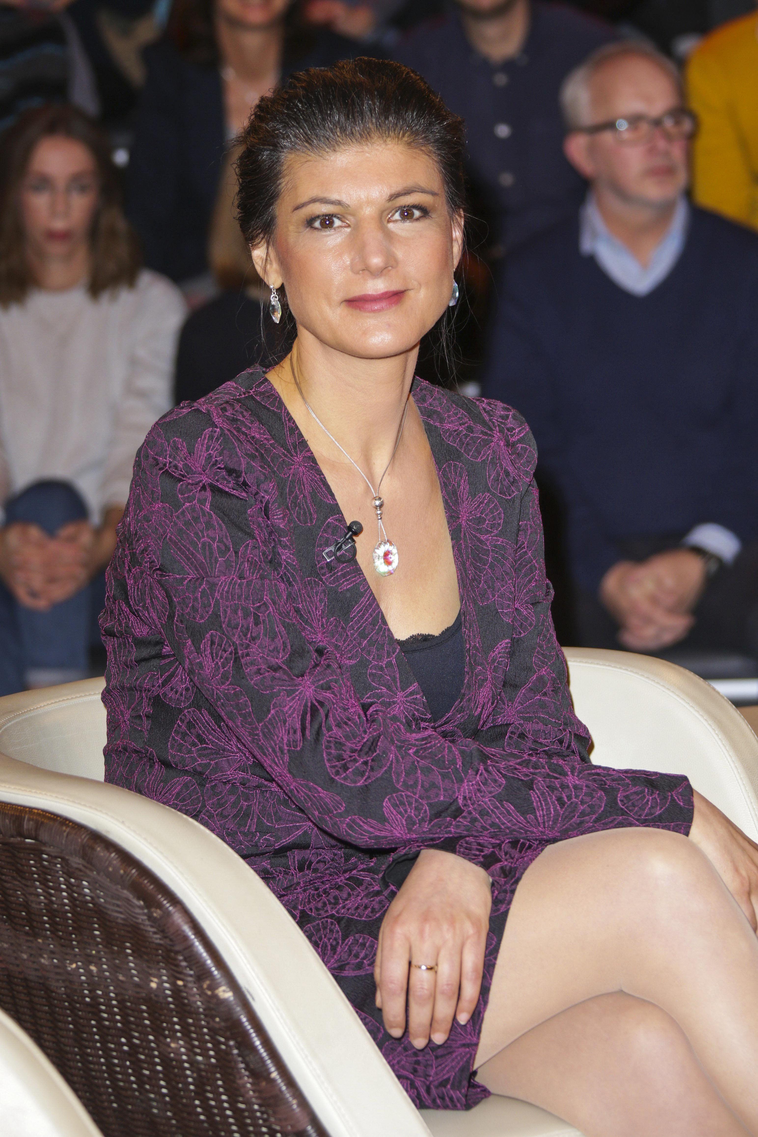 Sahra Wagenknecht | Women, Fashion, Lace top