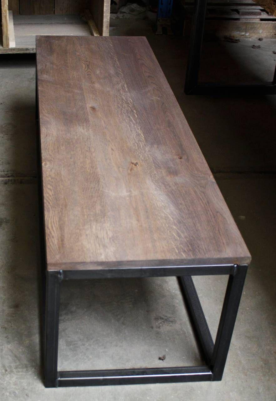 Side Table Met Rustiek Eiken Blad En Stalen Open Kubus Onderstel  Verkrijgbaar Bij VanSloophout.com