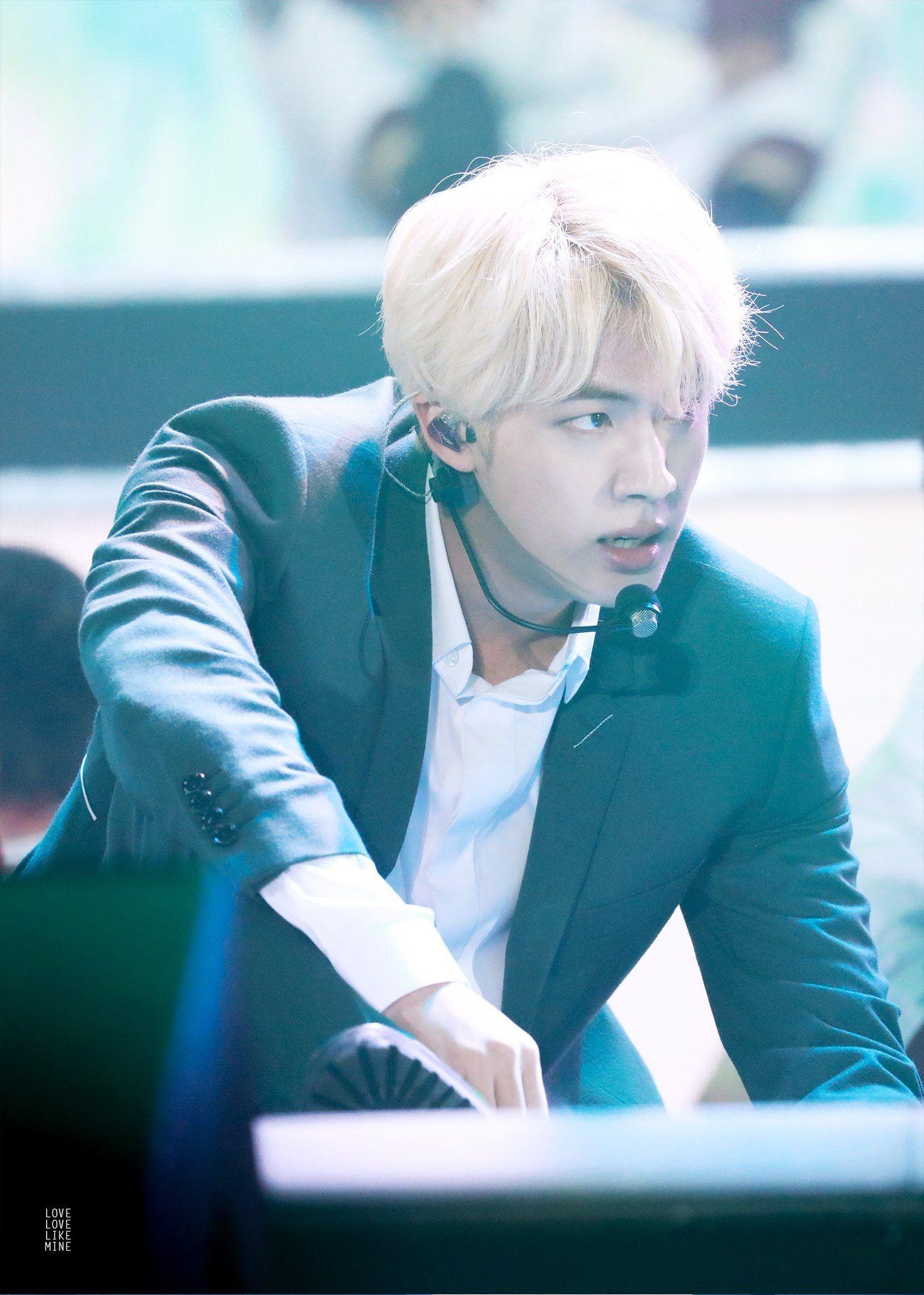 "Bts Kim Seokjin Bts Bangtan Ë°©íƒ""소년단 Kimseokjin Seokjin Cute Beautiful Beauty Handsome Kpop Performance Bts Jin Seokjin Kim Seokjin"