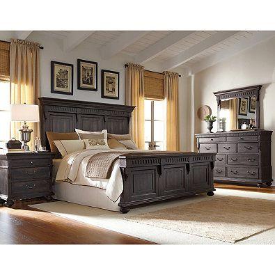 Pulaski Kentshire Queen 4-Piece Bedroom Set in Dark Brown Bedroom