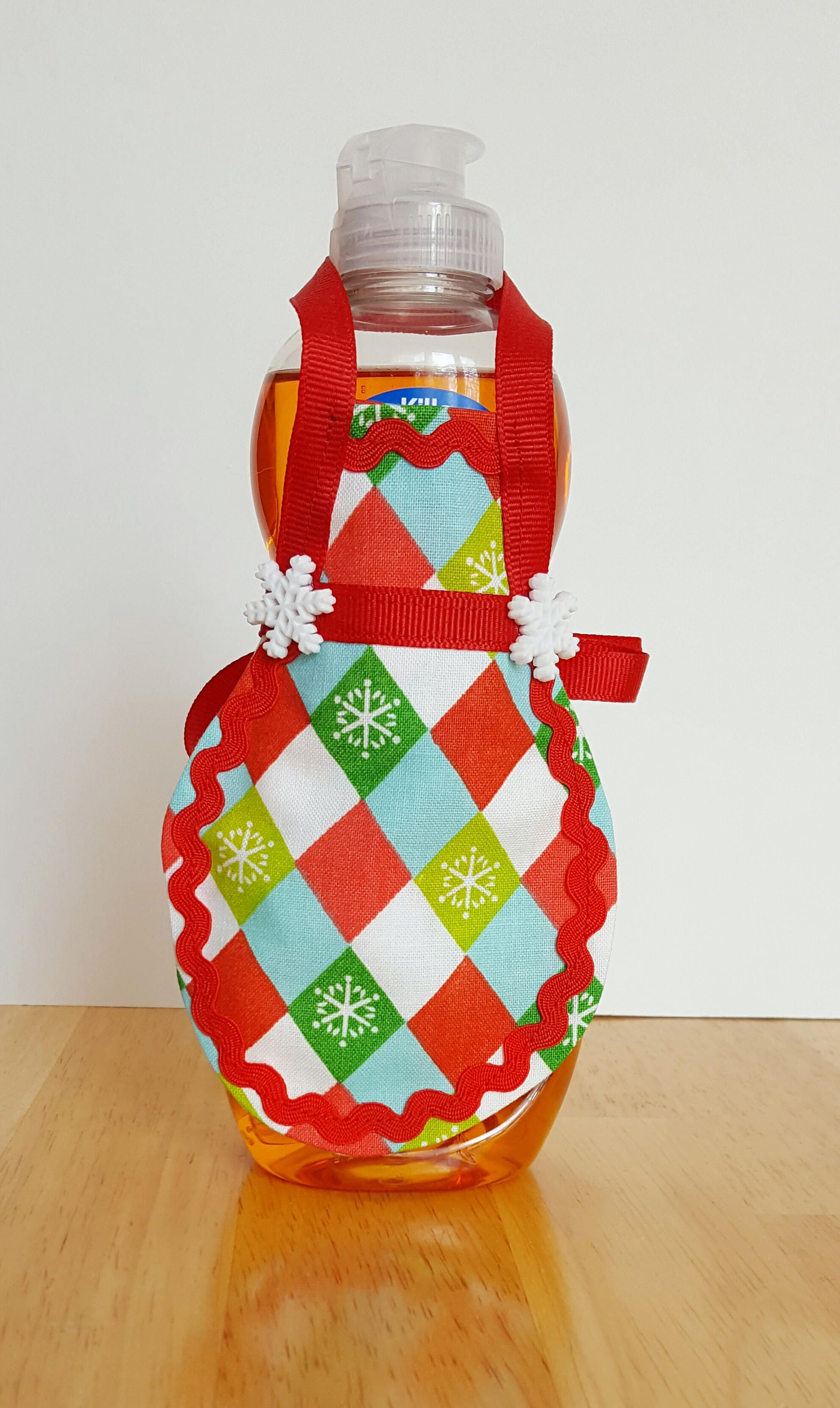 Christmas Soap Apron Holiday Kitchen Soap Bottle Apron Dish Etsy In 2020 Christmas Soap Handmade Etsy Gifts Holiday Kitchen