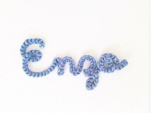 Mini nomes em crochê para nossos quadrinhos!💙#crochet #handmade