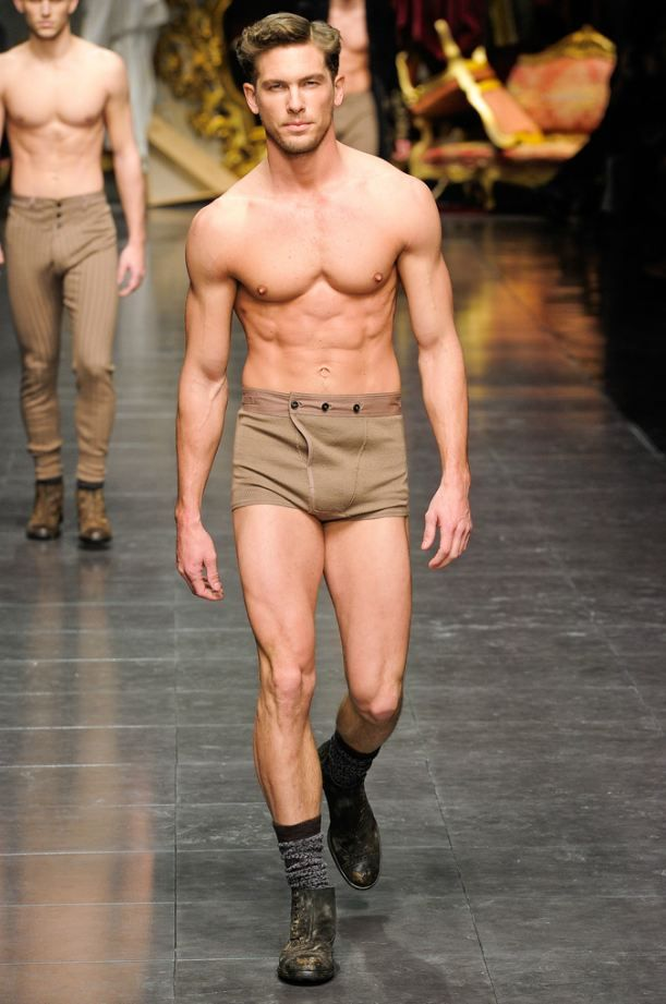 Adam Senn Hot Runway Dolce Gabbana Man Fashion