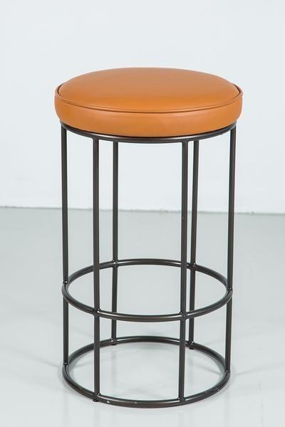 tubular bar stools in oil rub bronze with circular leather seat rh pinterest com