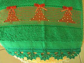 Adicionar legenda  Natal inspira bordados belíssimos. A tradicional árvore em vagonite oitinho não poderia deixar de abrir nossa seção n...