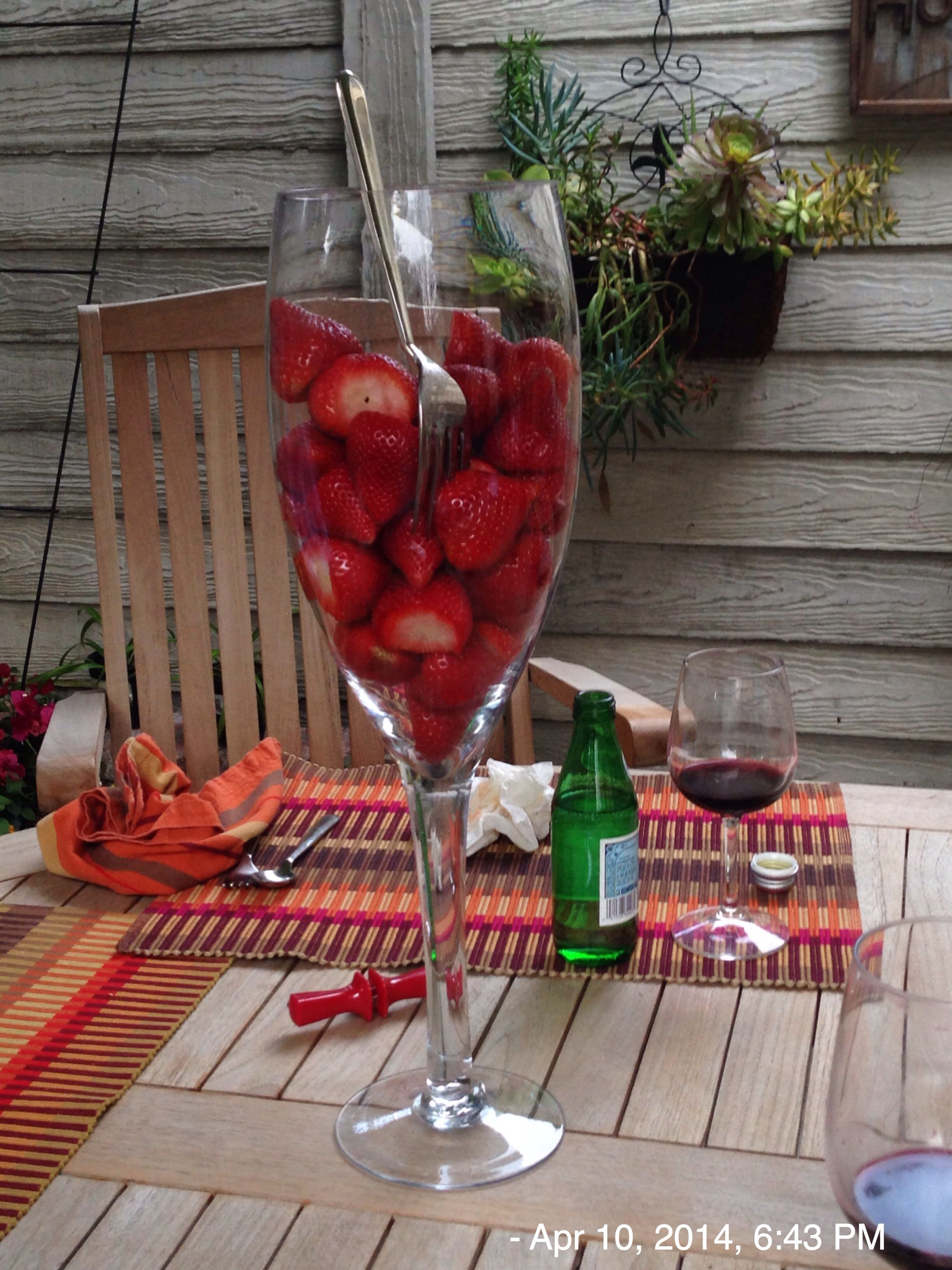 Strawberries In Big Wine Glass Big Wine Glass Wine Alcoholic Drinks