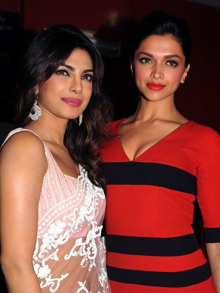 Deepika Padukone To Replace Priyanka Chopra Priyanka Chopra Actress Priyanka Chopra Bollywood Celebrities