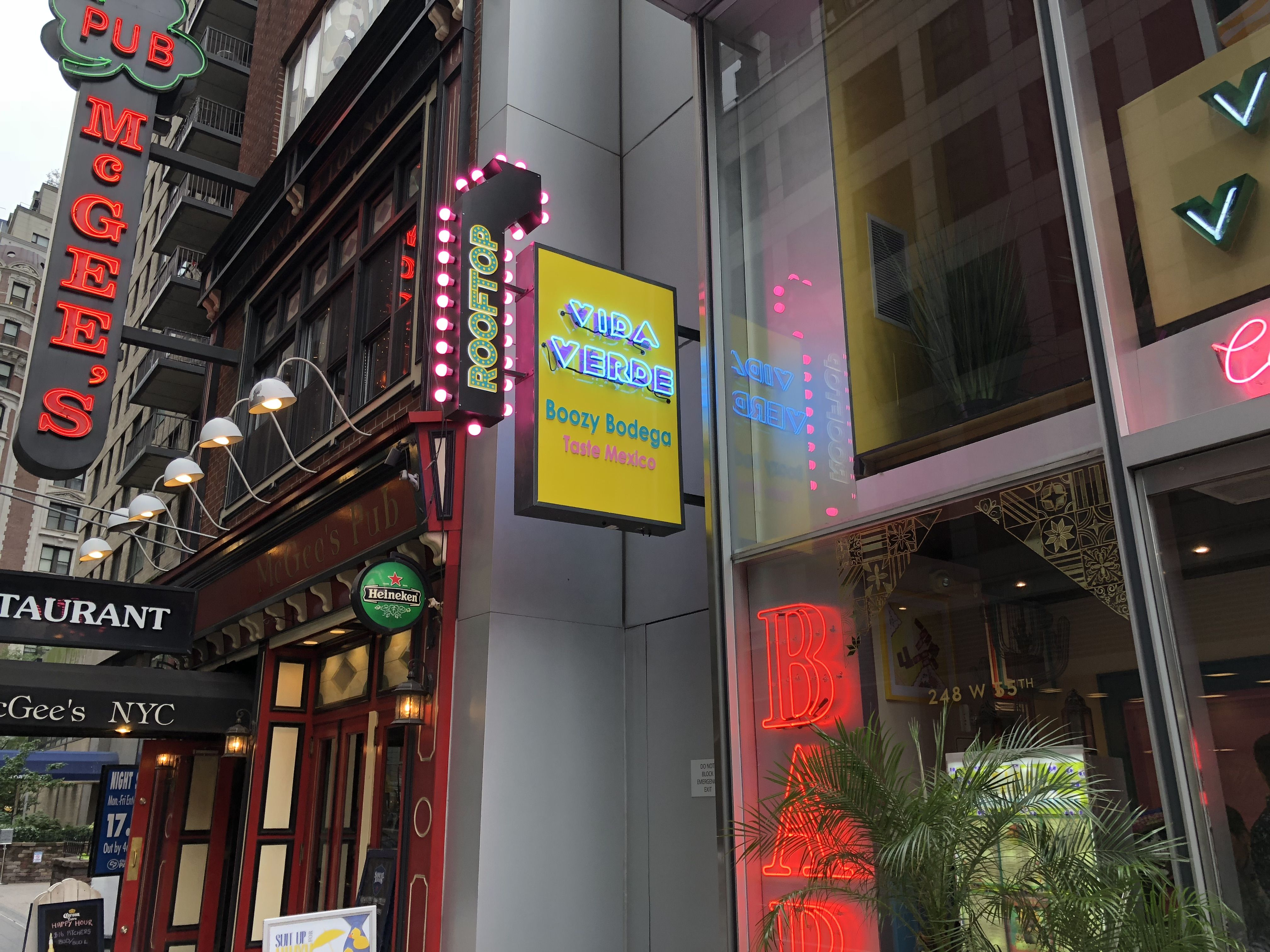 Bar Neon Sign Sneeze Guards Storefront Glass Neon Signs