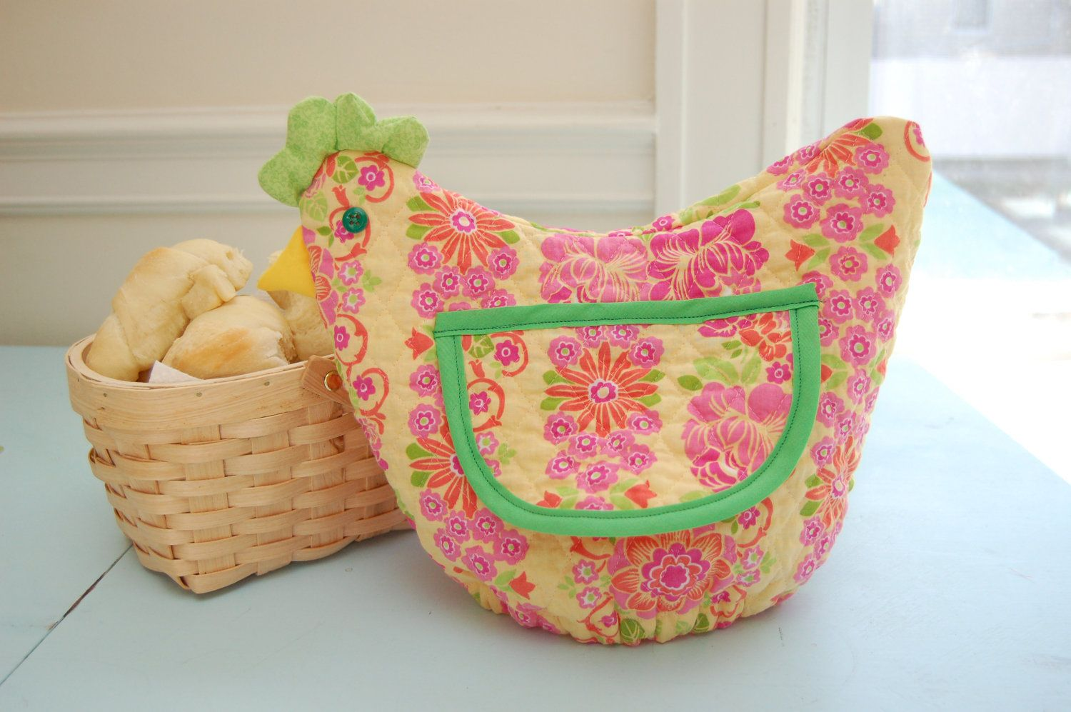 Funky Chicken - Roll Basket Cover - Makes a great gift! #thanksgiving #christmas #gift