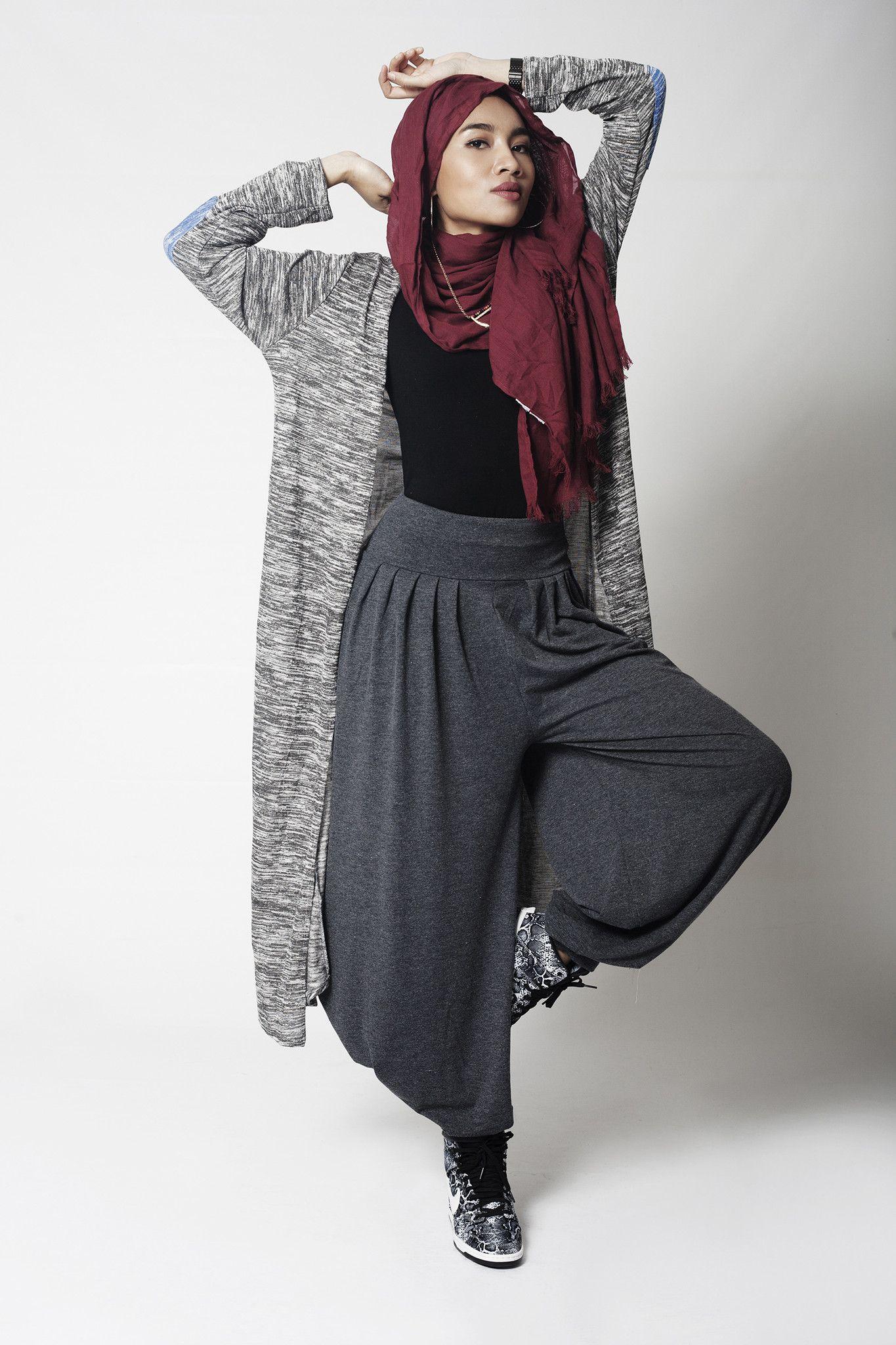 Yuna Zarai Outfit
