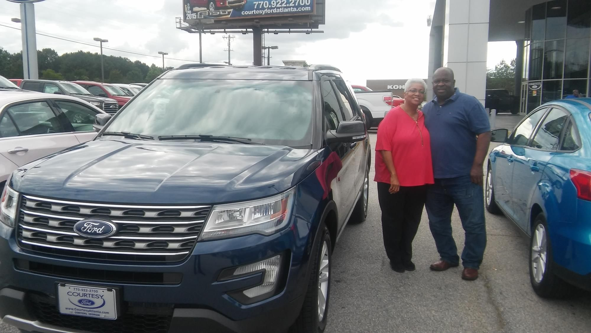 Bernandine King and Dennis King reviews the 2016 Ford Explorer they