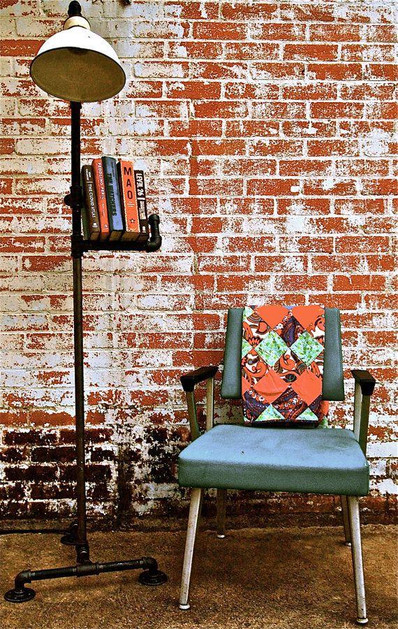 Floor lamp and bookshelf made from recycled industrial - Libros de decoracion de interiores ...