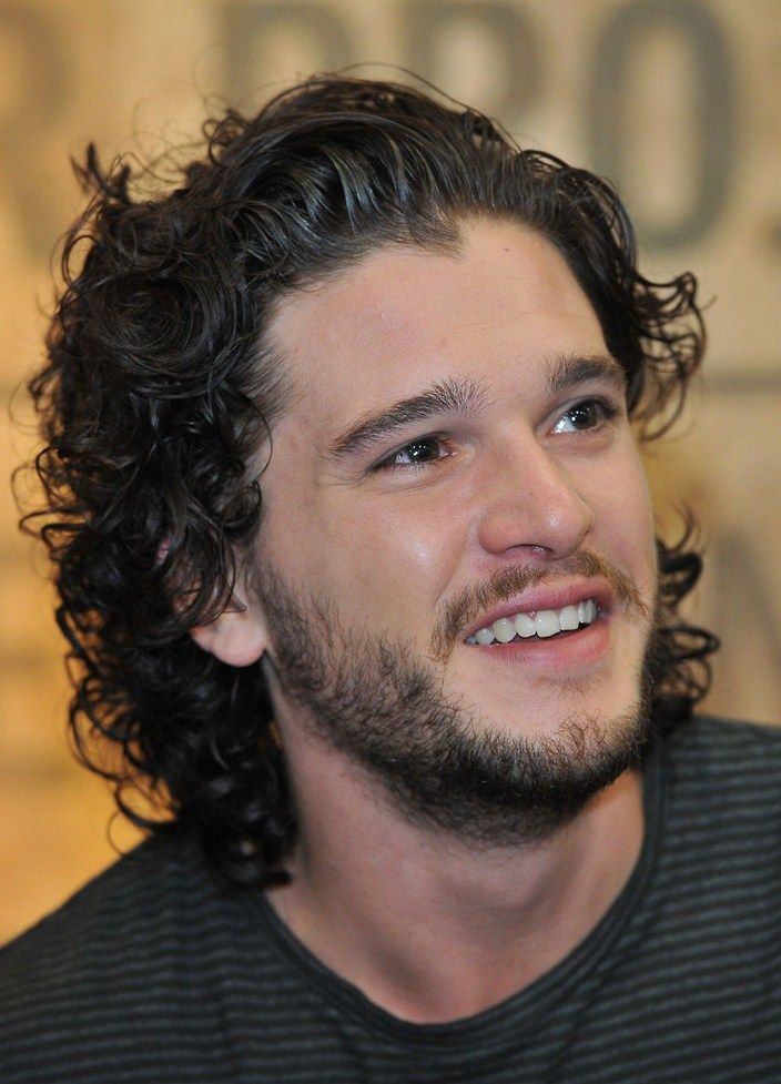 Kit Harrington S Curly Layered Haircut Kit Harrington Hair Kit Harrington Kit Harington