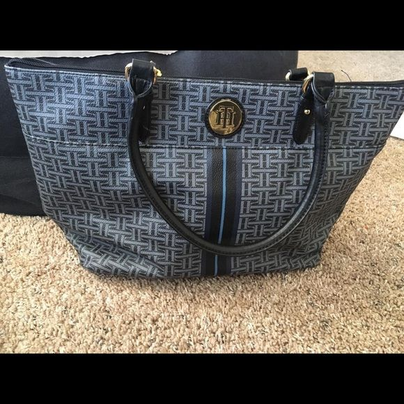Pre-owned Tommy Hilfiger Tote Large tote excellent condition Tommy Hilfiger Bags Totes