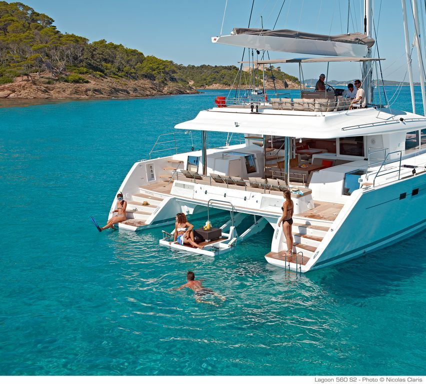 4 Cabins W/queen-size Beds +2 / 4 Toilets - $3,000 avg/night - Seget Donji - Amenities include: Swimming pool, Internet, Air Conditioning, TV, Satellite or cable, Children Welcome, Parking, Heater ✓ Bedrooms: 7 ✓ Sleeps: 10 ✓ Minimum stay from 7 night(s) ✓ Bookable directly online - Book vacation rental 819537 with Vrbo.
