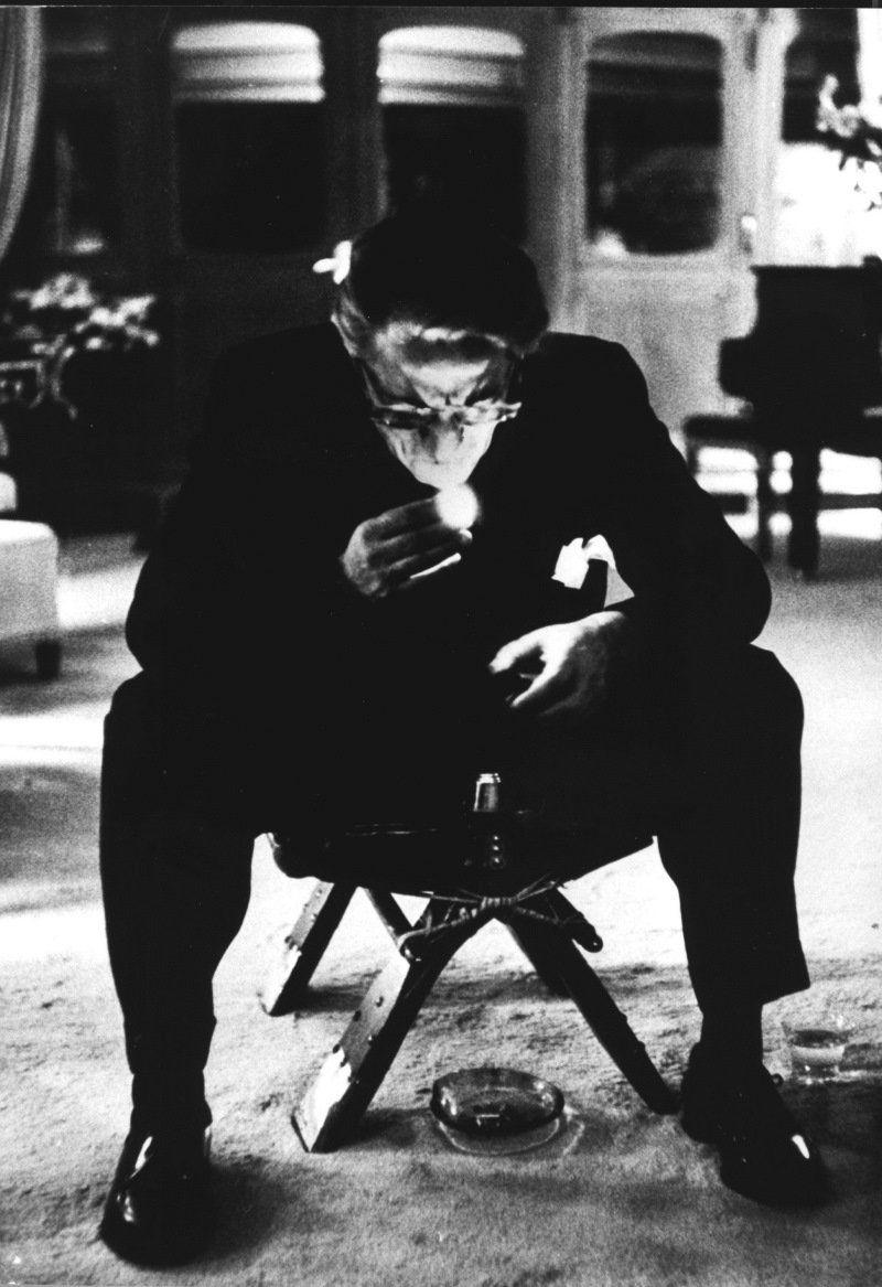 Vous avez pleuré pour la nuit - il tombe.  Maintenant pleurer dans les ténèbres.  ~ Samuel Beckett