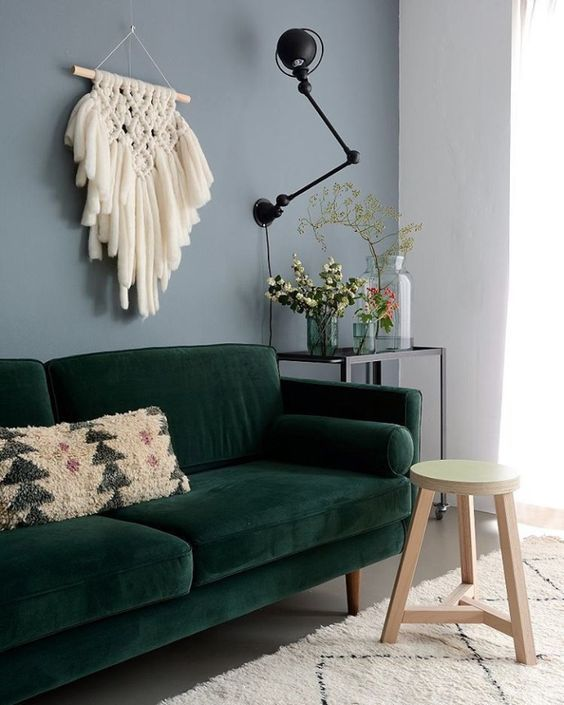 Harper Sofa Lisannevandeklift Velour Green Retro Hygge Homeinspiration Scandinavianinterior Grune Lounge Wohnzimmer Inspiration 50er Jahre Wohnzimmer