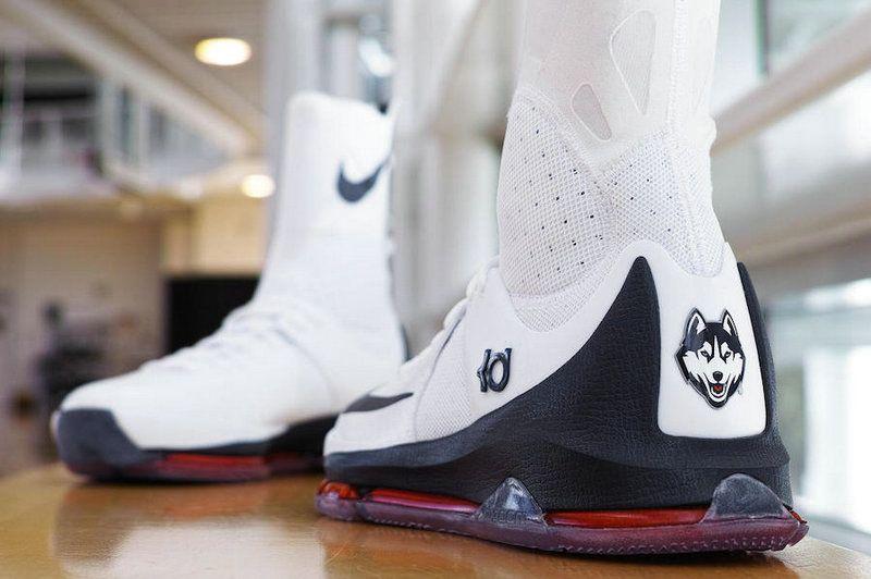 346ecff306f3 Nike KD 8 Elite PE UConn White Red Navy