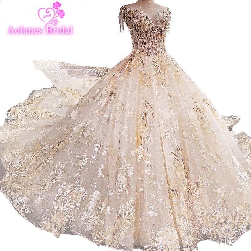 ... Ball Gown Wedding Dress Lace Flowers Pearls Sexy Bridal Dress 2018  Vestido De Noiva. Luxusní šněrovací krystaly Beaded Appliques Šampaňské  šaty svatební ... 2eb06ea4a500
