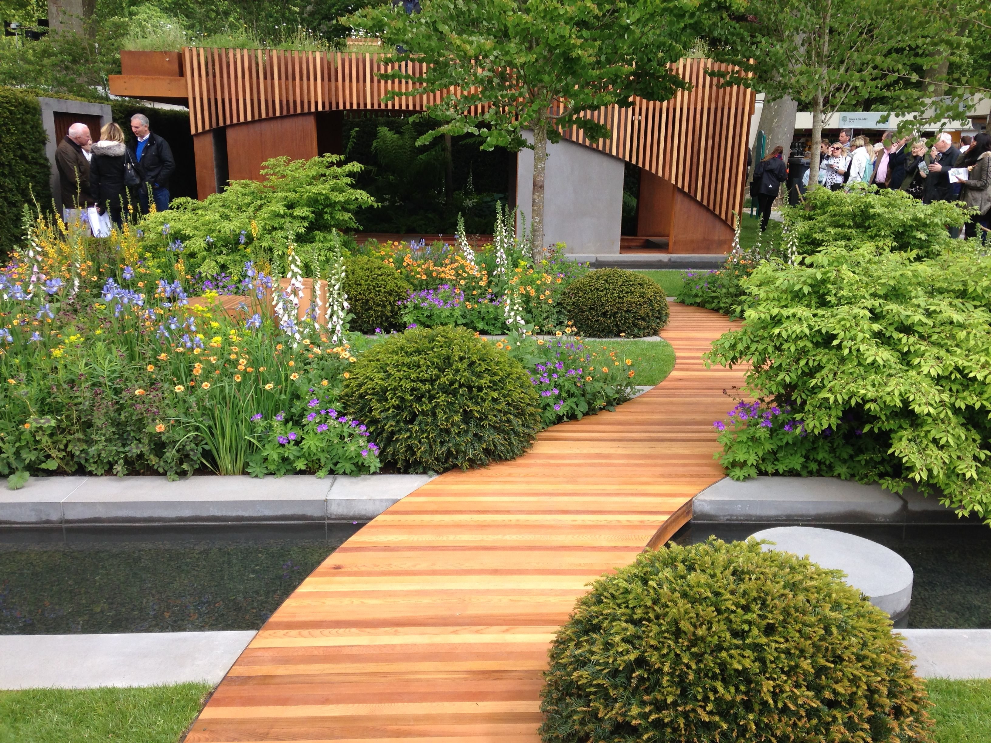 Homebase urban retreat garden gold medal winner at chelsea flower show 2015 chelsea flower - Chelsea flower show gold medal winners ...