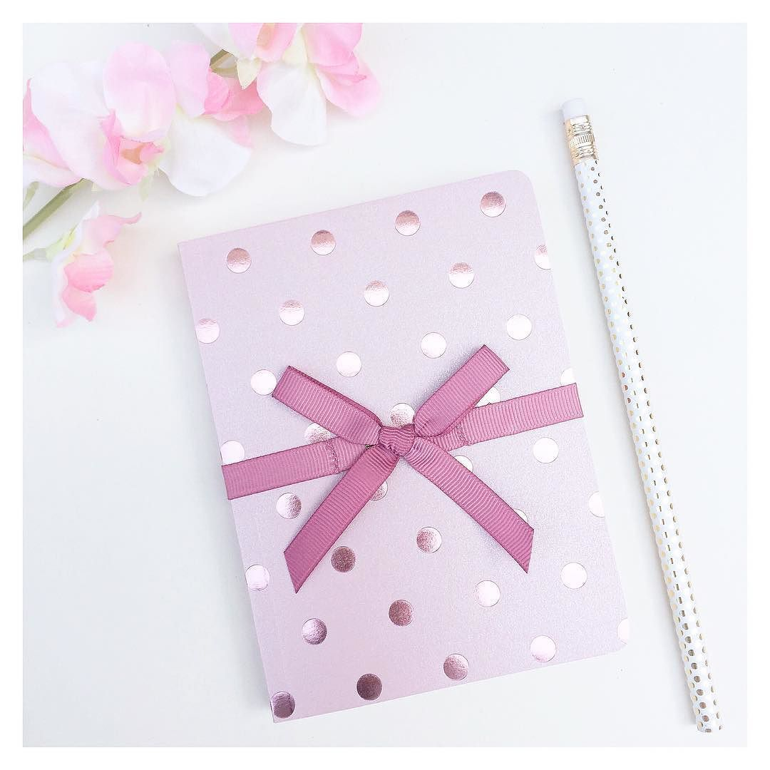Still so much love for these luxury polkadot notebooks taking notes in style! Shop them and loads more stationery @ pennyrosehomegifts.co.uk