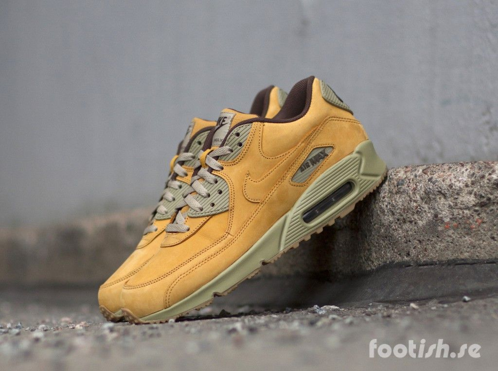 separation shoes 6b8d7 70878 Nike Air Max 90 Winter Premium   Footish