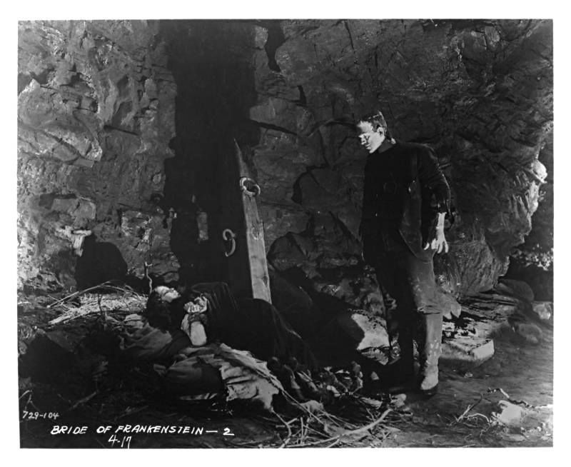 Rare Still From A Deleted Scene Of Bride Of Frankenstein 1935 The Monster Brings Elizabeth Classic Horror Movies Universal Monsters Frankenstein Pictures