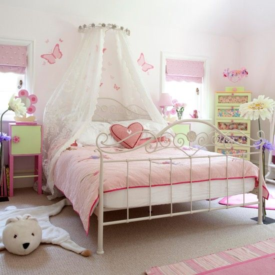 Country farm lodge house purple green bedrooms pink girl and green bedrooms - Purple and pink girls bedroom ...